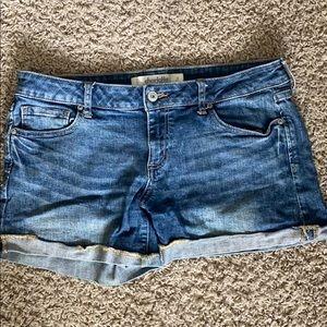 Cute low rise, shorts